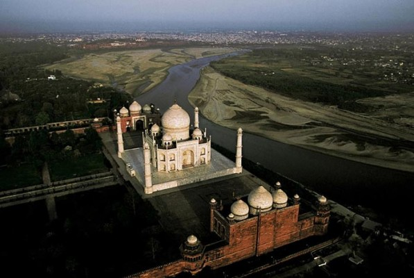 taj mahal  picture taken from the Air
