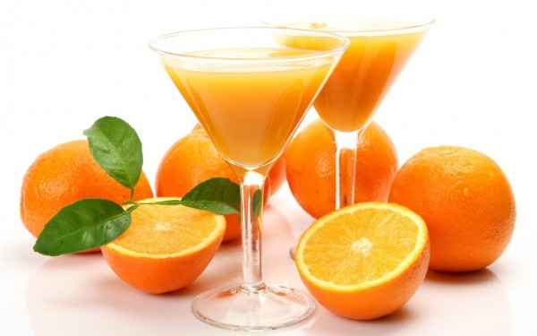 Fresh-orange-juice-1024x640